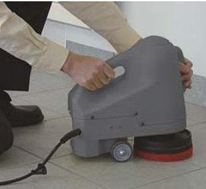 Аппарат для очистки лестниц